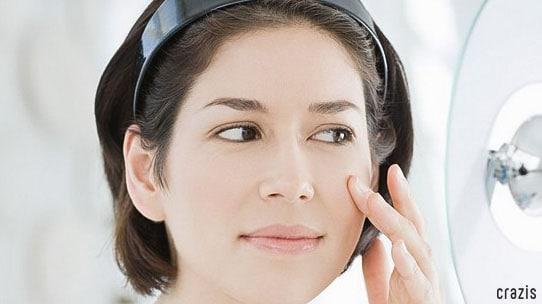 Tẩy tế bào chết giúp dưỡng chất thẩm thấu vào da tốt hơn